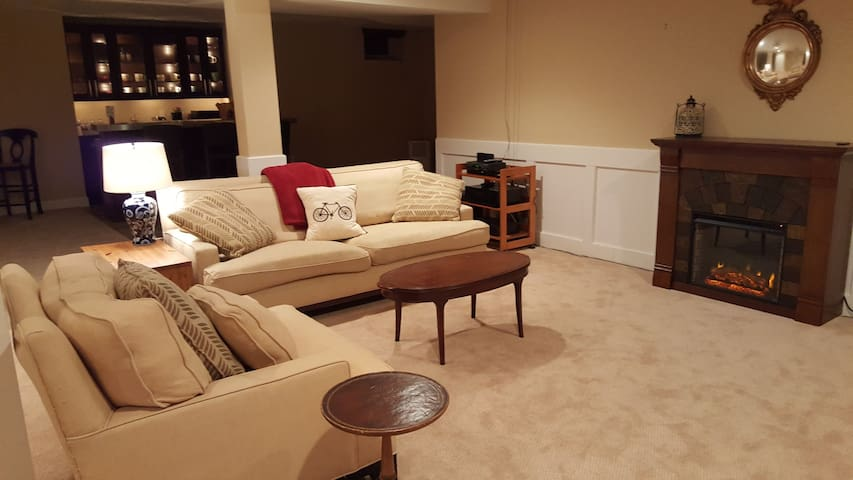 Large 1 Bedroom Suite in Cream Ridge Horse Country