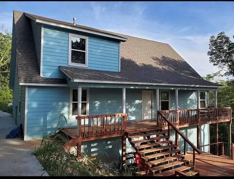 Mountainview family home near Tenkiller Ferry Lake