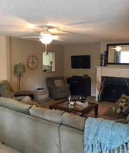 Luxury  1BR/1BA Condo near Pinehurst County Club - Pinehurst - Condominium