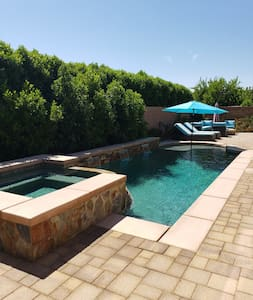 Indio Home w/ private pool & spa (30+day getaways)