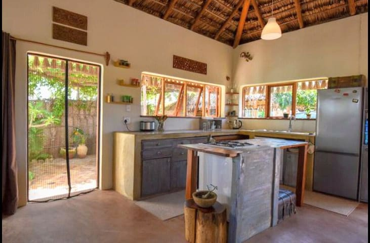 PURA VIDA AC BUNGALOW -  BEACH ACCESS *-25% Diving