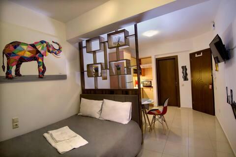 Elephant House, Luxurious & cozy,  center point