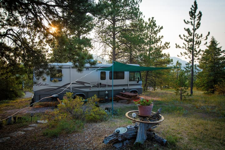 Cozy RV with all amenities to relax