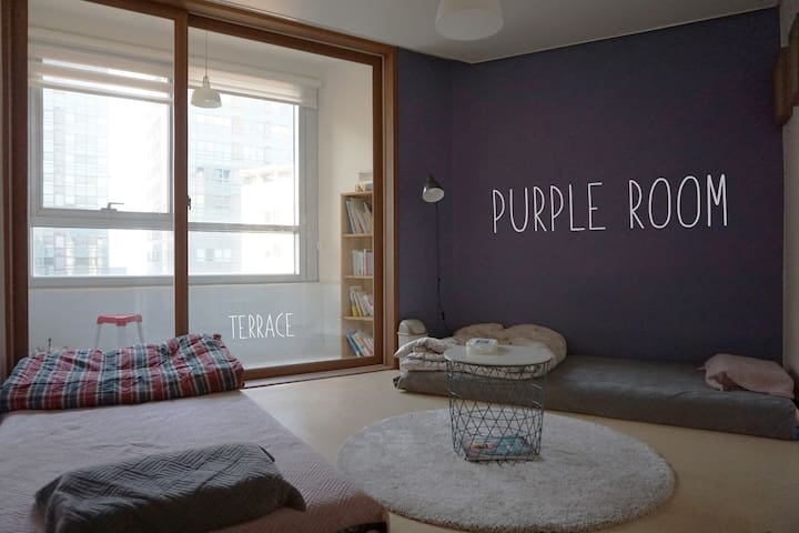 CELEB HOUSE, 31 FLR View,Best Location,Purple Room