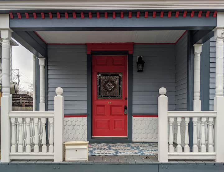 Historic 3BR/1.5BA Home, Downtown Shelbyville KY