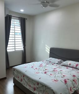 Gil's Place - Newly Renovated Room