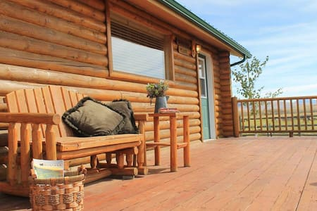 Beautiful Montana guest cabins on a rural ranch 1 - Dillon - Cabaña