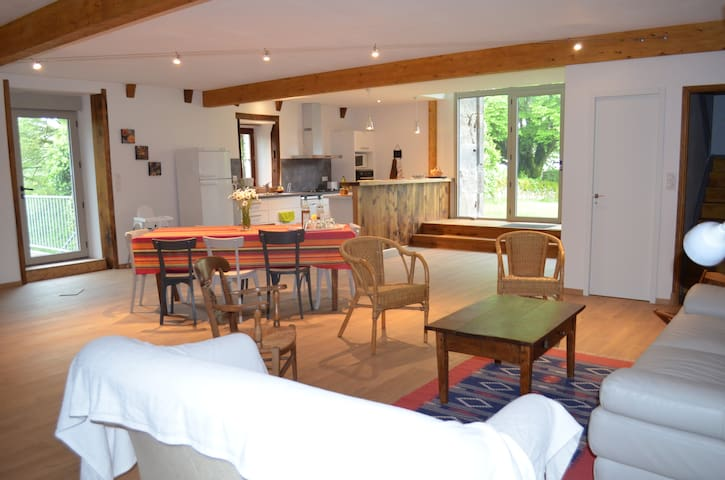 gîte de grande capacité en Aubrac - Prades-d'Aubrac - Hotel ekologiczny