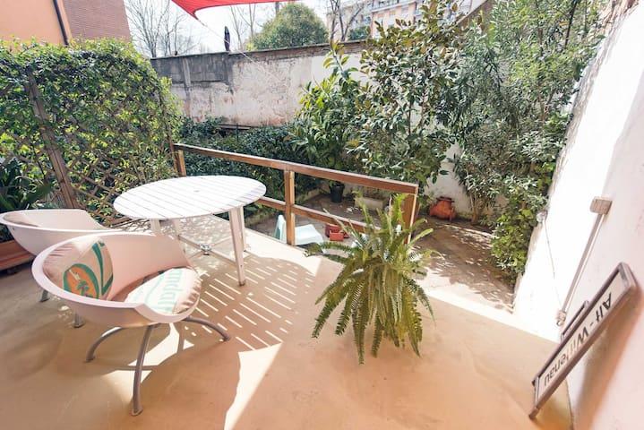 ARTISTIC COSY FLAT & GARDEN - COOLEST PIGNETO AREA - Roma - Apartamento