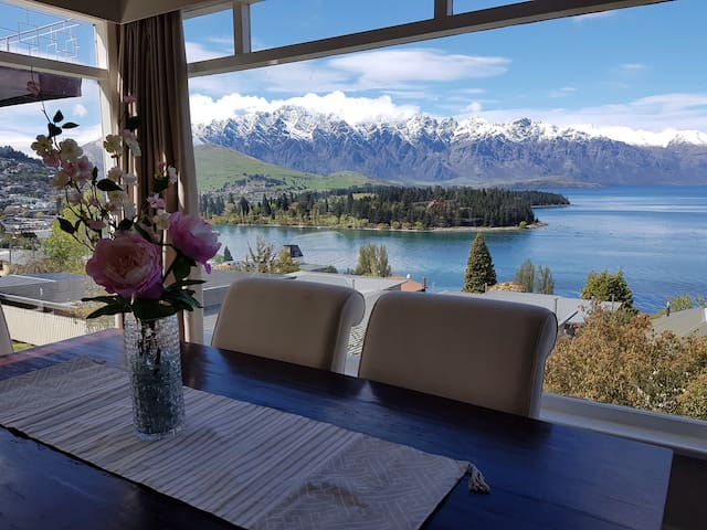 Amazing views, walk to town. - Queenstown - Dom