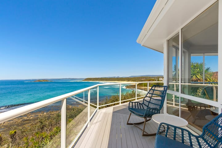 The Point Beach House Manyana - Amazing views