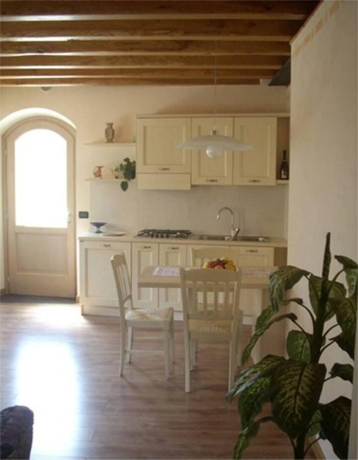 Casa in pietra con 2 appartamenti