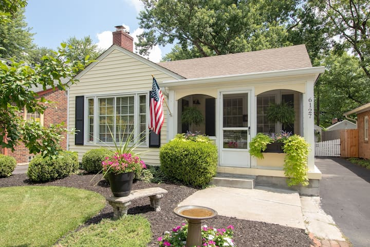 Cottage living in the heart of Broad Ripple