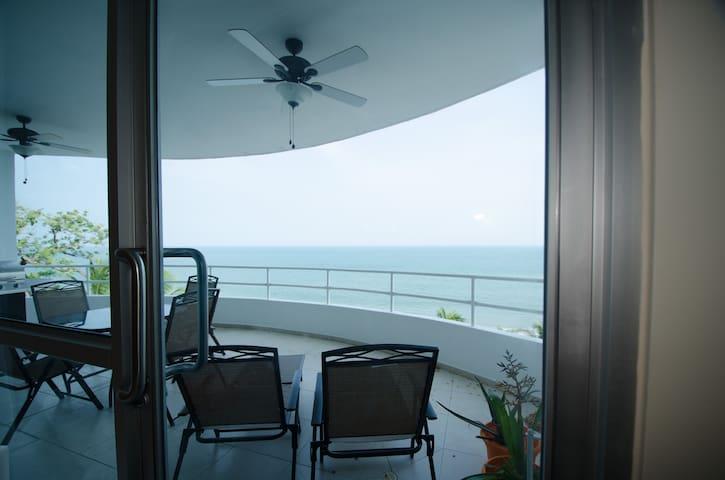 Luxury OCEAN FRONT Condo with Large Balcony!! #305 - Coronado - Appartement