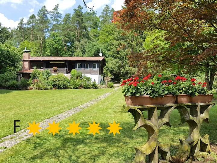 ***** Ferienhaus Naturliebe, 6000m² Garten, Sauna