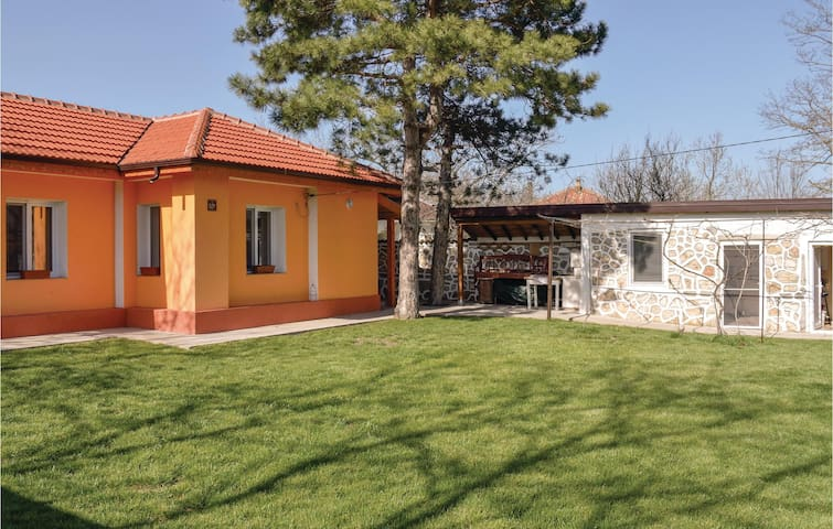 Holiday cottage with 2 bedrooms on 100m² in Gorun