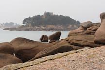 vue sur le château de costaéres