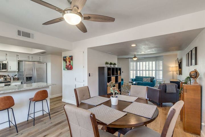Trendy 3 Bedroom in Tempe. Newly Remodeled!