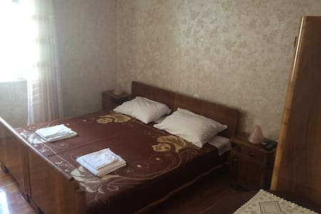Room in the old town center - Cres - House