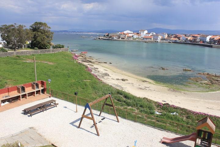apartamento o grove al lado del mar