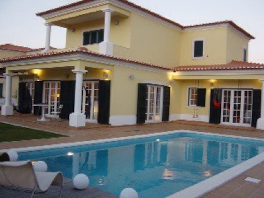 Luxury Villa with Heat Swimming Pool on Golfe Resort by Atlantic Coast