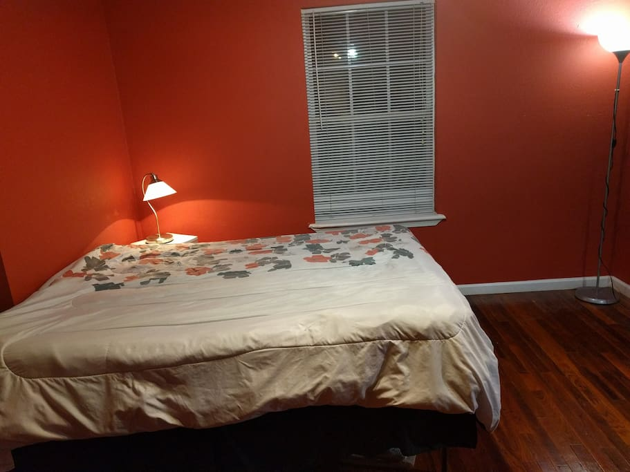 Large room with plenty of space and room for an air mattress (not pictured but available)