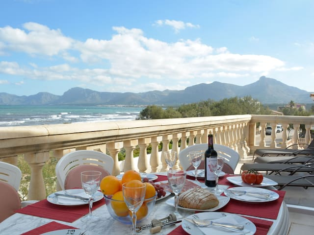Mallorca Beach front line Apartment 6 pers
