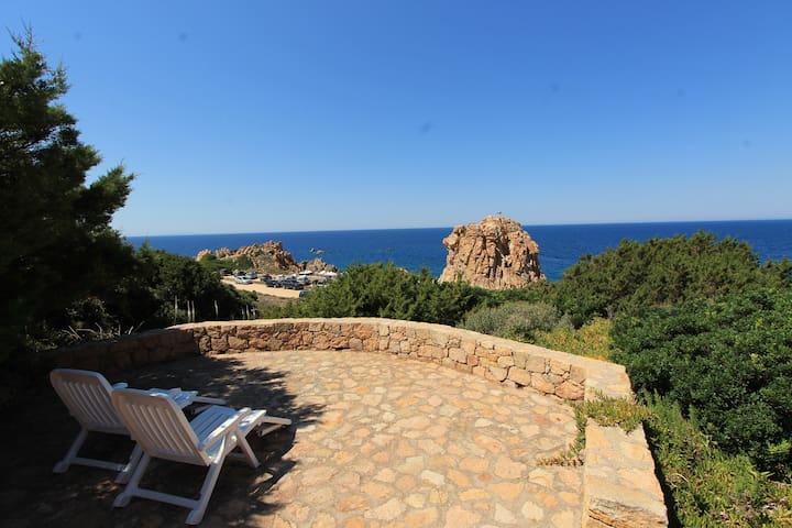 Villetta Quarzo con vista e a 100 metri dal mare - Costa Paradiso - House