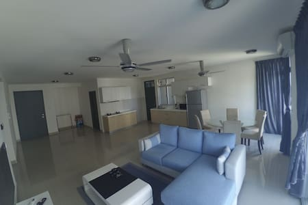 3 BR New Apt @Permas,Guarded,6pax - Masai - 公寓