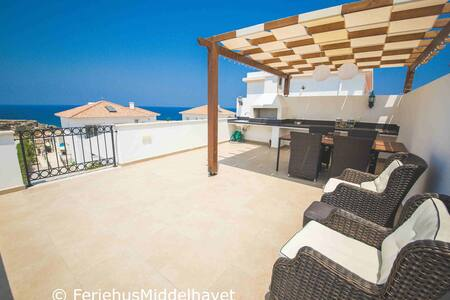 Apt 3+2 roofterr seafront near golf - Esentepe - Apartment