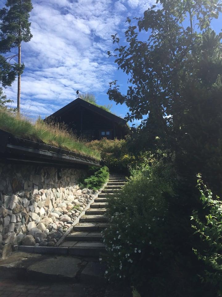 Liten hytte ved Vråvatn