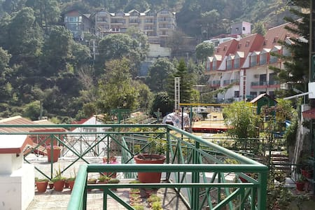 A Charming chalet at Kasauli Hills - Kasauli