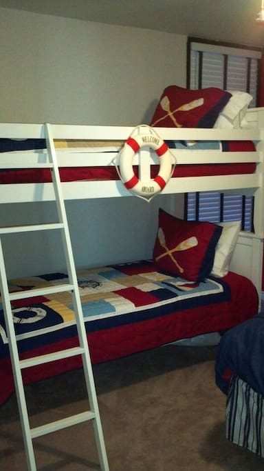 Bunkbeds in 2nd bedroom