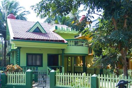 Family-Style Villa near Colva Beach - Colva - Bungalo