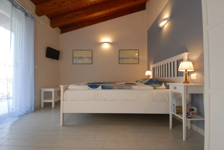 B&B TIBU' Double - San Valentino - Bed & Breakfast