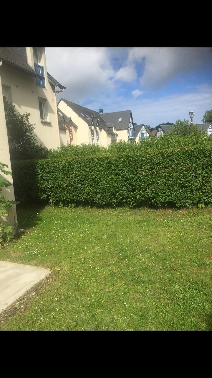 LA CAVALE DEAUVILLAISE 2-4 pers jardin et parking
