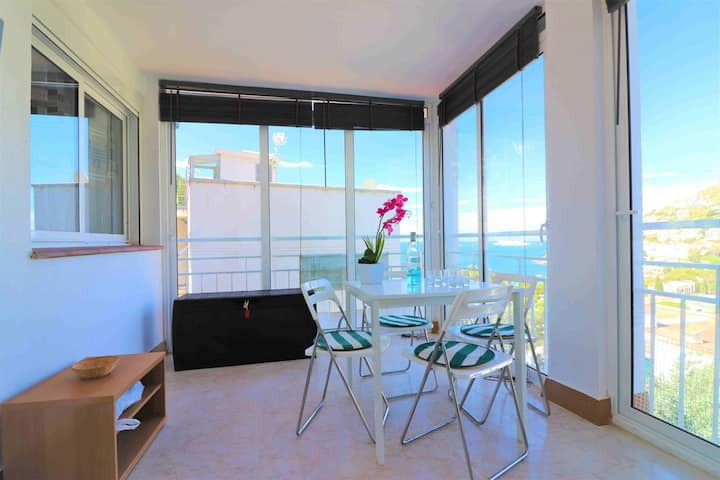 Apartment rent overlooking the sea in Canyelles Petites-Roses-C.Rocosas