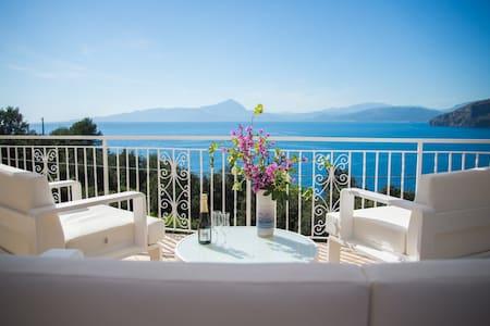 Villa Caterina Camera con terrazzo sul mare - Maratea - Bed & Breakfast