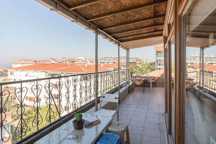 Penthouse in local area, perfect view of Islands - Maltepe - Casa