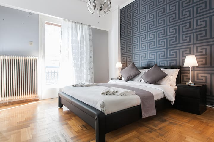 Stylish Double Room in Athens SmArt Shared Home