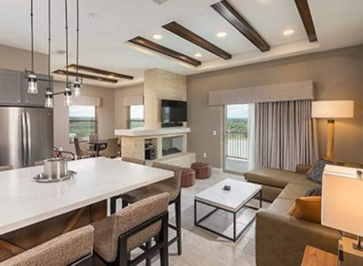 2 Bedroom Condo- Marble Falls Resort #2