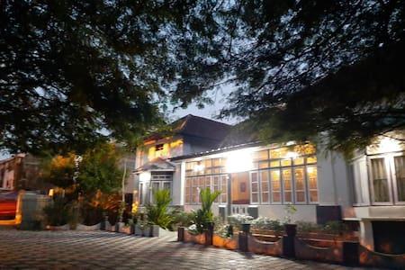 Dejavu Heritage Bungalow