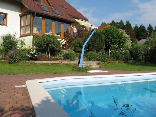 Lovely Country House with Swimming Pool - Hueb - House