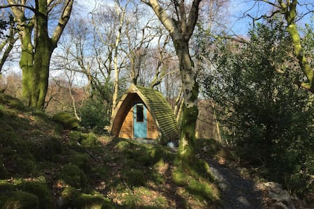 Secluded  glamping pod at the foot of Snowdon
