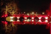 De brug aan het Minnewaterpark tijdens de kerstperiode