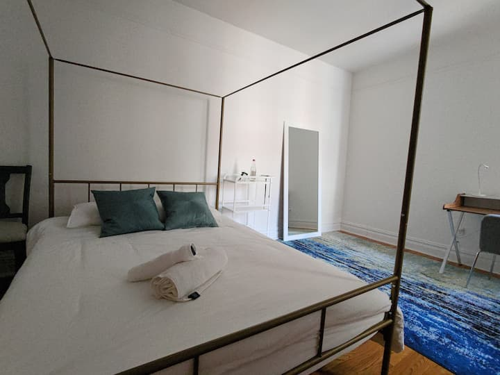 Spacious and bright Private Room