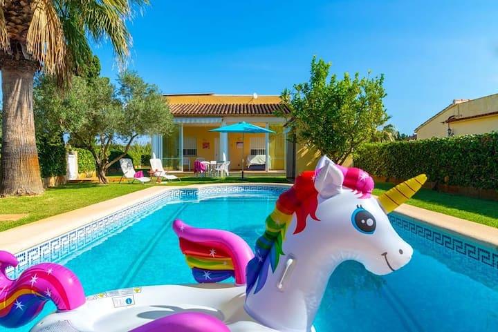 Villa Paradise. Especial para 2 parejas