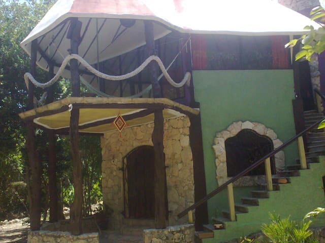 "Eco-House ""Las Garras"" in the jungle with Cenote - Playa del Carmen - Dům"