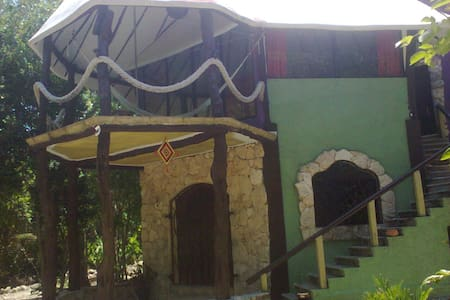 """Eco-House """"Las Garras"""" in the jungle with Cenote - House"""