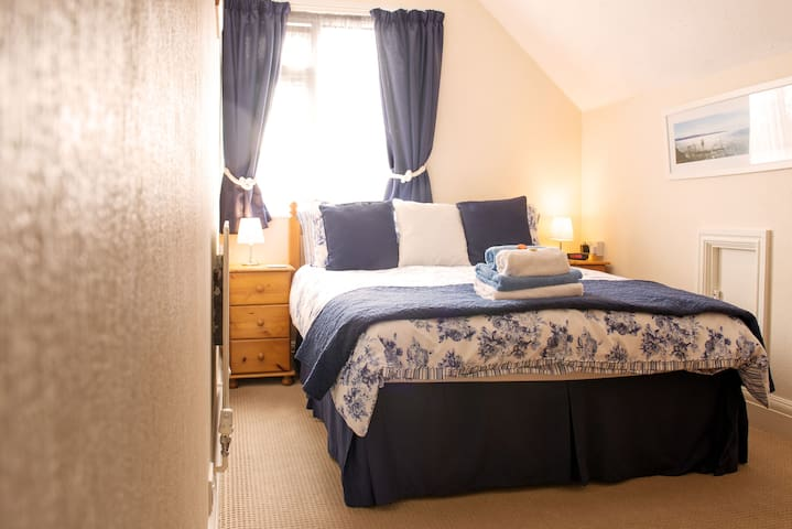 Blue Waters Lodge is an award wining Guest House